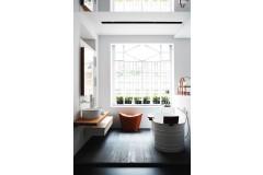 Kleinbad mit freistehender Badewanne von agape
